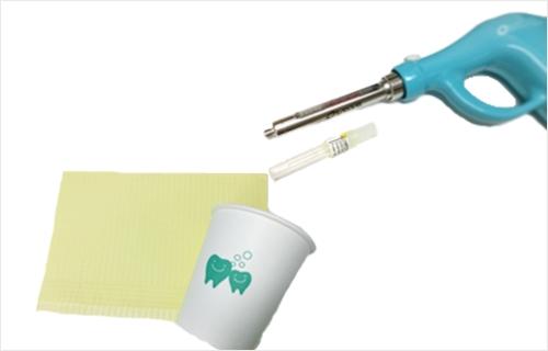 ディスポ(紙エプロン、紙コップ、注射針など)